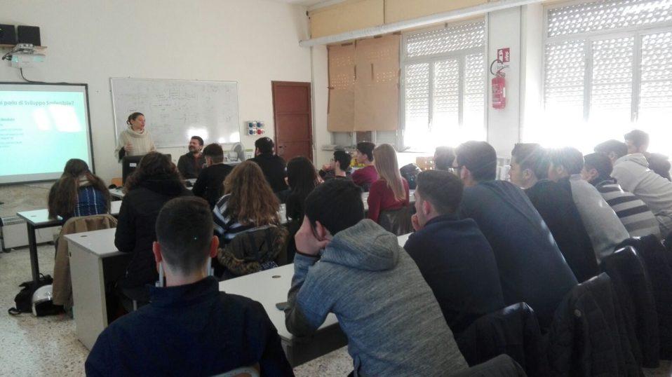 Il primo incontro di alternanza all'Einaudi